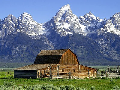 400px-Barns_grand_tetons