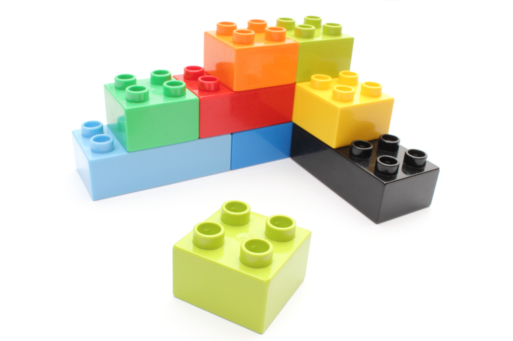 Assembling lego blocks
