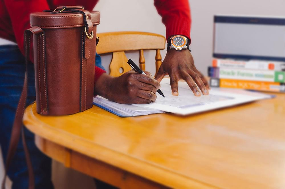 How To Create A Freelance Contract That Benefits You & Your