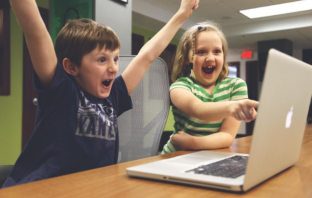 Little Mike and Evelyn are happy that they coded a functional solution to FizzBuzz with Vavr