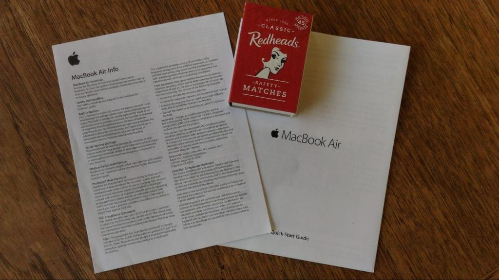 Leaflets inside the MacBook Air box